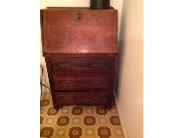 Magnificent Antique Desk In Oneida County Wisconsin Wake County Buy Interior Design Ideas Grebswwsoteloinfo