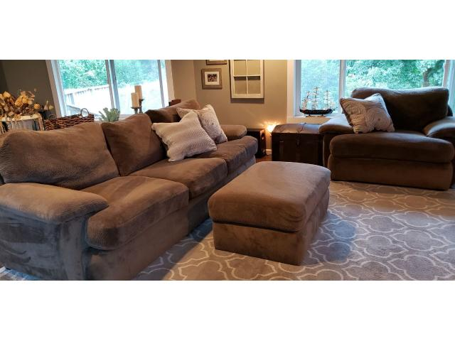 Amazing Stanton Couch Oversized Chair And Ottoman In Coos Bay Creativecarmelina Interior Chair Design Creativecarmelinacom
